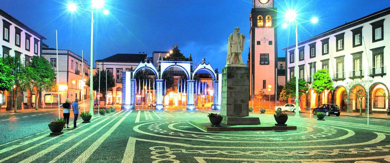 Portes de la ville de Ponta Delgado marquant l'entrée de la capitale autrefois, île de São Miguel