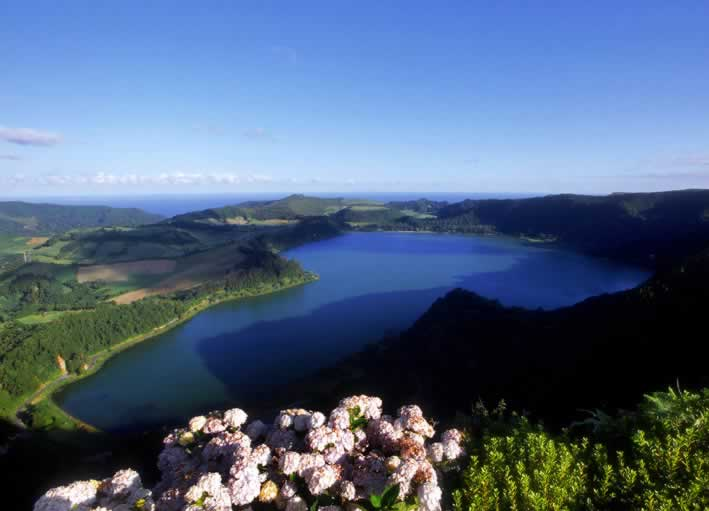 Randonnée Cumeeiras, à travers la faune exotique et endémique de l'île de São Miguel