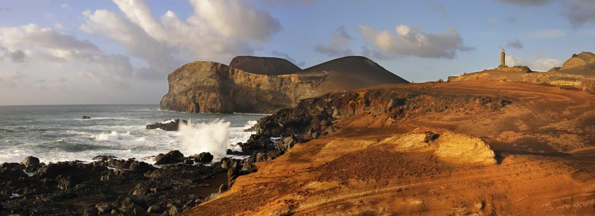 Volcan de Capelinhos sur l'île de Faial au caractère dramatique et d'un paysage véritablement unique