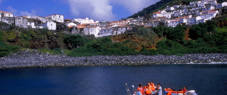Sites pour la pêche et la plongée grâce à la diversité des espèces de poissons, île de Corvo