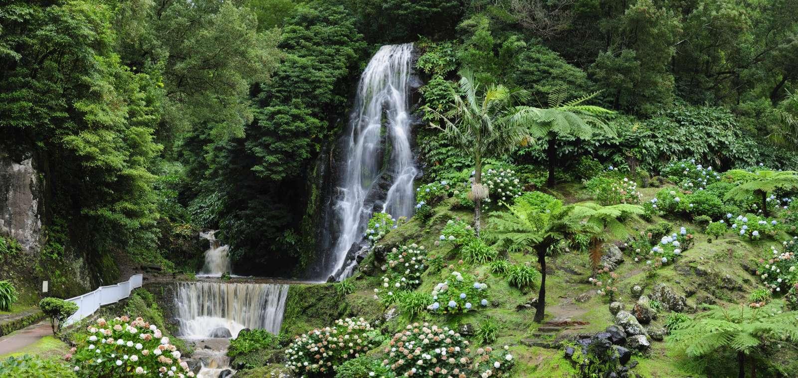 Île de São Miguel, cascade de Salto do Prego et baignade possible