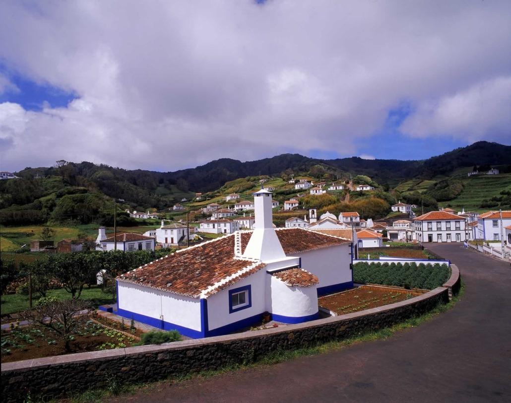 Village typique et maison traditionnelle de l'île de Santa Maria, Açores