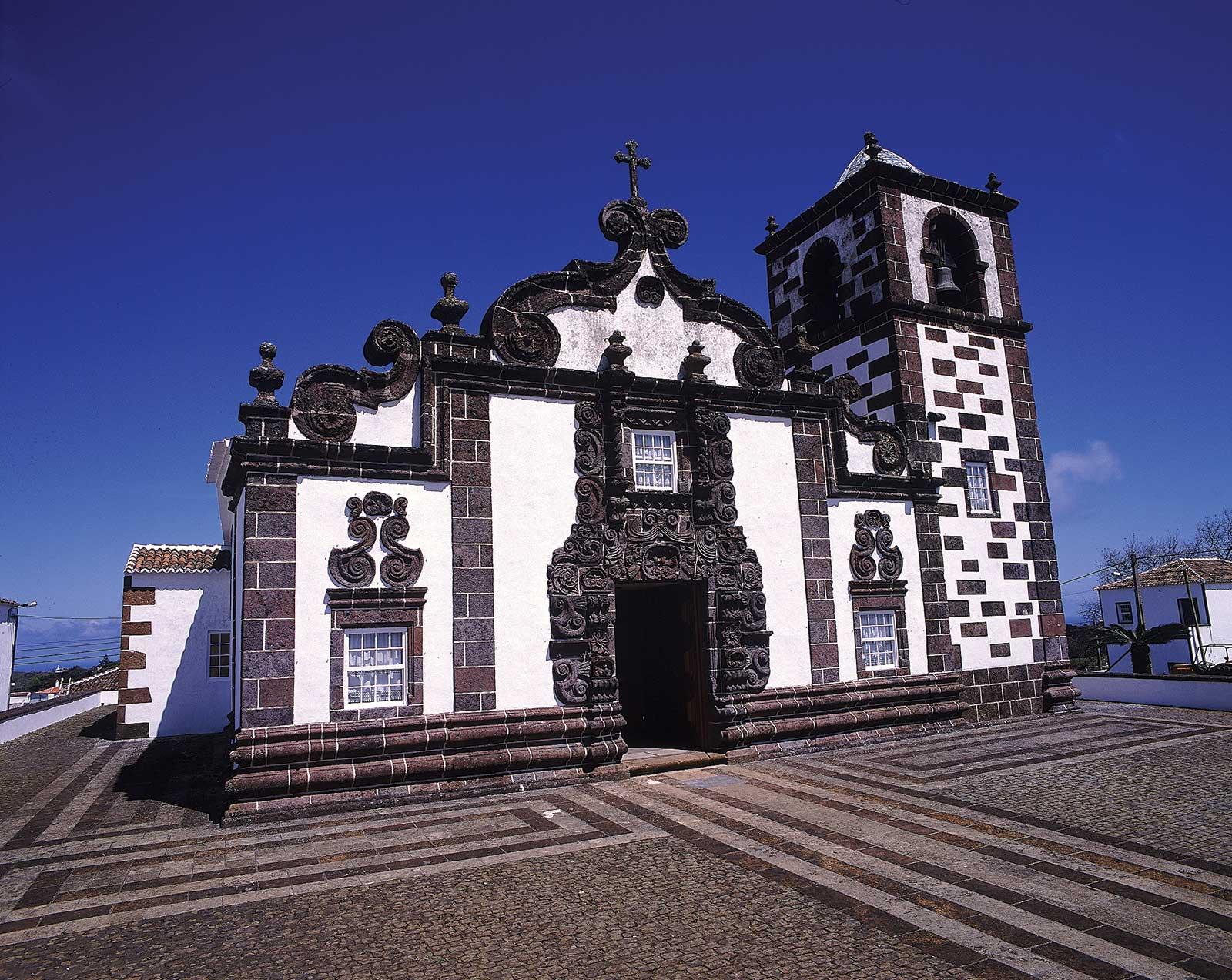 Excursion Tour de l'île de Santa Maria en passant par l'église baroque de Espírito Santo