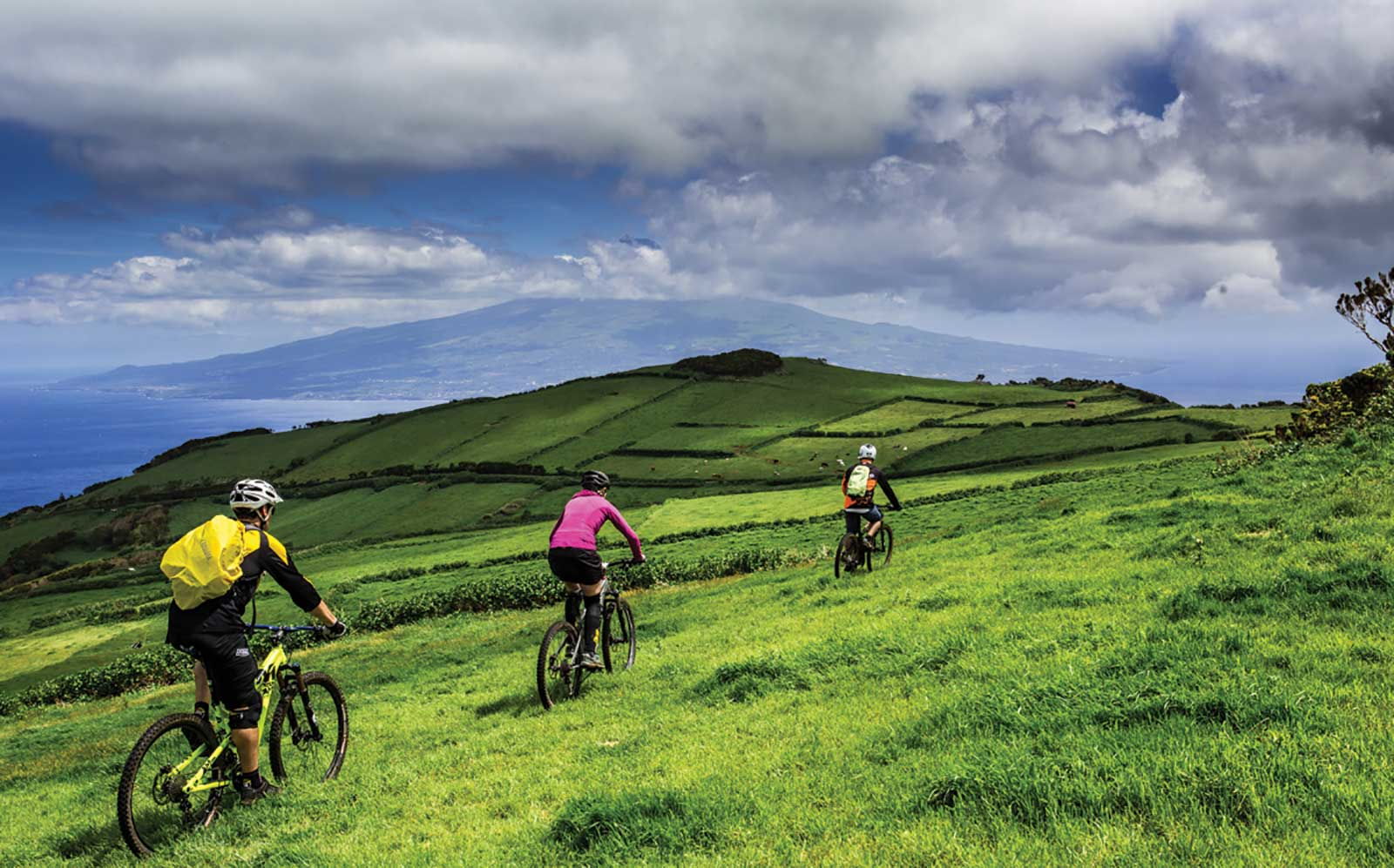 Parcours amusant en VTT avec guides à travers l'île de Terceira